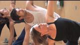 Vídeo de una clase de yoga con Chris